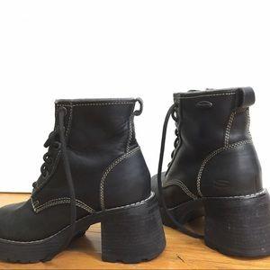 71f50748e198 Skechers Shoes - Vintage Skechers Boots